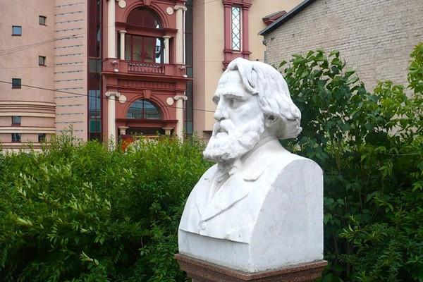 Библиотека-читальня им. И.С. Тургенева