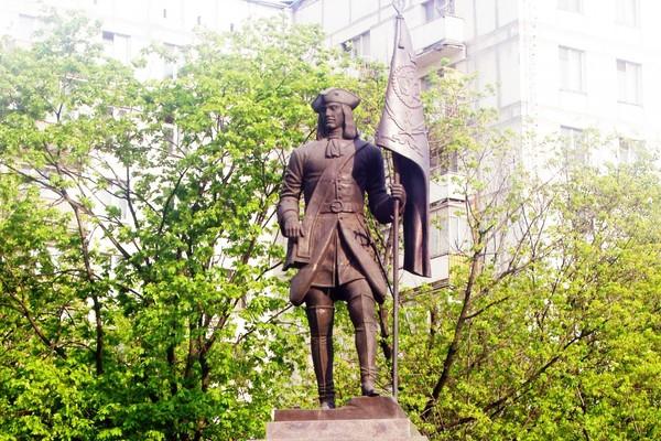 Памятник Бухвостову