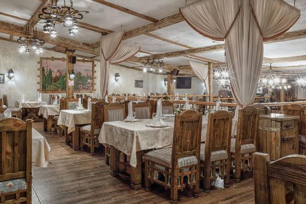 Бакинский дворик на Русаковской