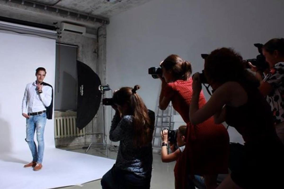 помощью локонов основы студийной фотосъемки курсы делается