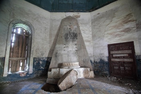 Заброшенный храм