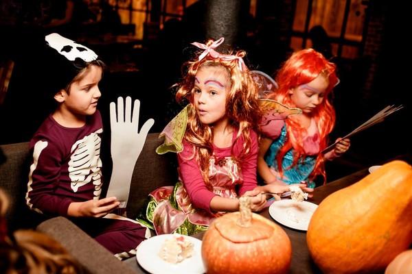 Хеллоуин в творческих мастерских