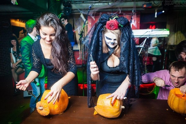 Halloween в Bar BQ Cafe