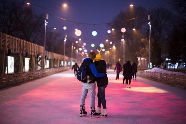 День Влюблённых на катке в Парке Горького