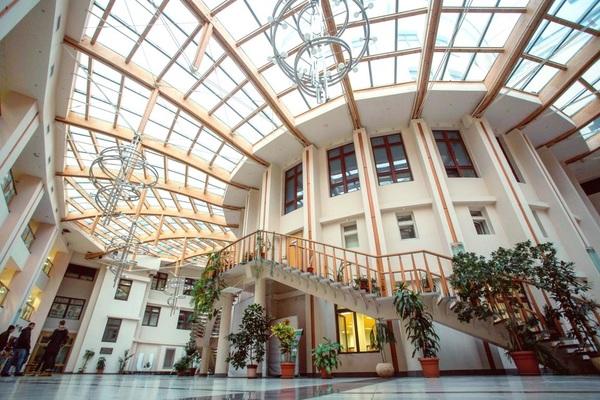 Московский Международный Университет(МУМ)