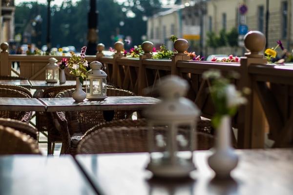 Кафе и рестораны с летними верандами