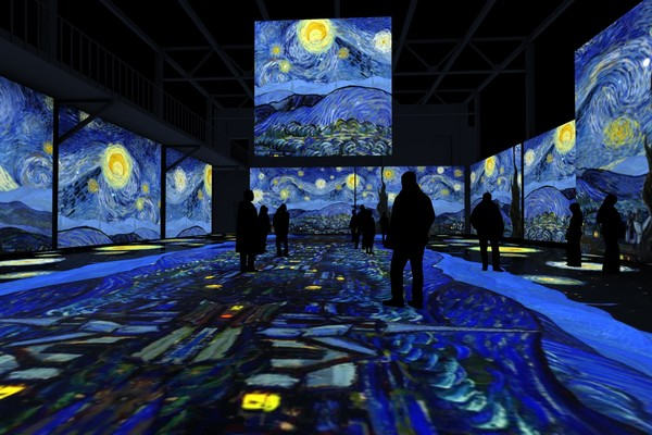 Погружение в искусство: лучшие интерактивные выставки