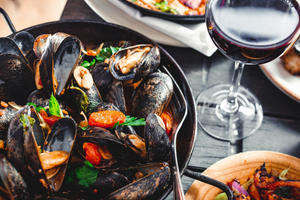 Море зовет: где есть морепродукты