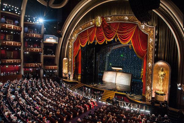 Театр на диване